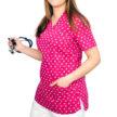 bluza-medyczna-rozowa-kwiatki-02