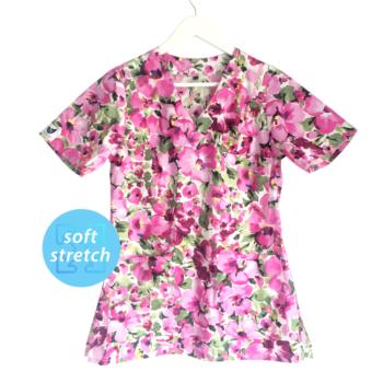 bluza-medyczna-damska-rozowa-kwiaty-kokolu